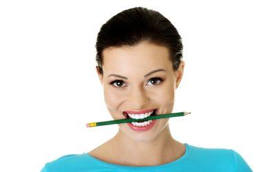 Ejercicios para vocalizar: elastificar la mandíbula.